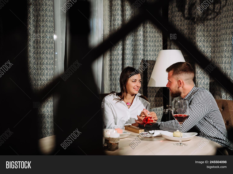 Valentine  s gaver for dating Senior Dating Sites i Storbritannia