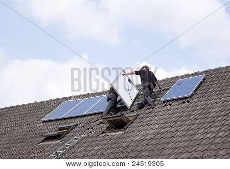 Instaling Solar Panels