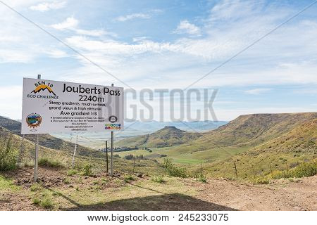 Lady Grey, South Africa - March 29, 2018: The Top Of The Historic Jouberts Pass At Lady Grey In The