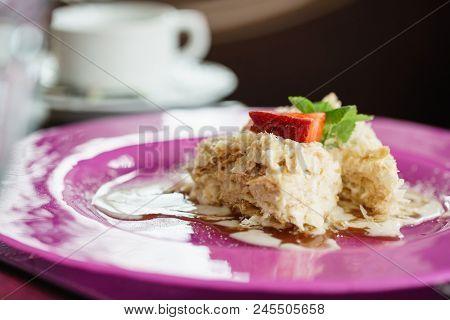 puff cake with strawberries