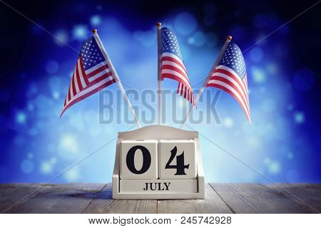 American Independence Day 4th of July calendar and flags