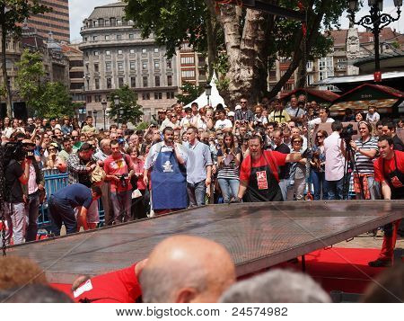 World Guiness Record By David De Jorge (world Biggest Russin Filet)