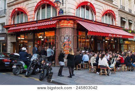 Paris, France-april 17 , 2018 : Le Bar Du Marche Is One Of The Finest Traditional Cafes Of Saint-ger