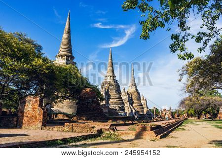 Travel Thailand - Wat Phra Si Sanphet Ayutthaya -   Ayutthaya Historical Park  Has Been Considered A