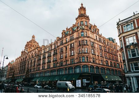 London, Uk/europe; 21/12/2019: The Famous Harrods Luxury Department Store At Knightsbridge District,
