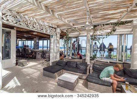 Cape Town , South Africa - 03 January 2019: Hemingway Bar Interior With Sea Sand Floor At The Cape T