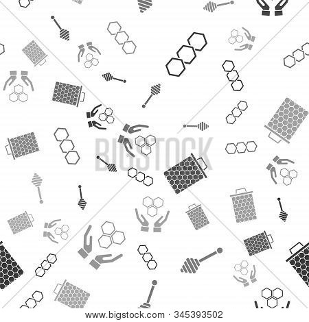 Set Honeycomb, Honey Dipper Stick, Honeycomb And Honeycomb And Hands On Seamless Pattern. Vector