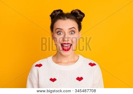 Close-up Portrait Of Nice-looking Attractive Lovely Pretty Charming Cute Cheerful Cheery Ecstatic Te