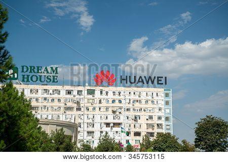 Almaty, Kazakhstan, Circa September 2019: Huawei Ad On The Building In Almaty, Kazakhstan