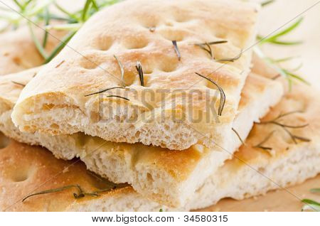 italian bread with rosemary