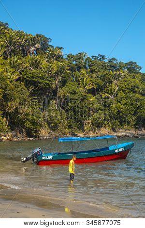 Tela, Honduras »; January 2020: A Boat On The Beach Of Puerto Caribe In Punta De Sal In The Caribbea