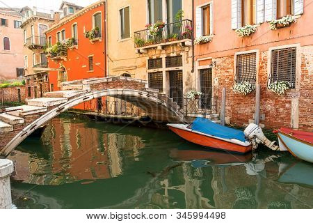 Ancient Ponte De Chiodo (nail) Bridge In Cannaregio Neighborhood, The Only Venetian Bridge Without P