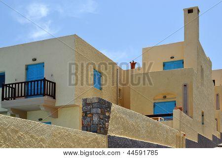 Desolate apartment in Sissi.