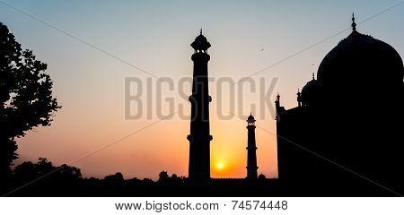 Silhouette of Taj Mahal