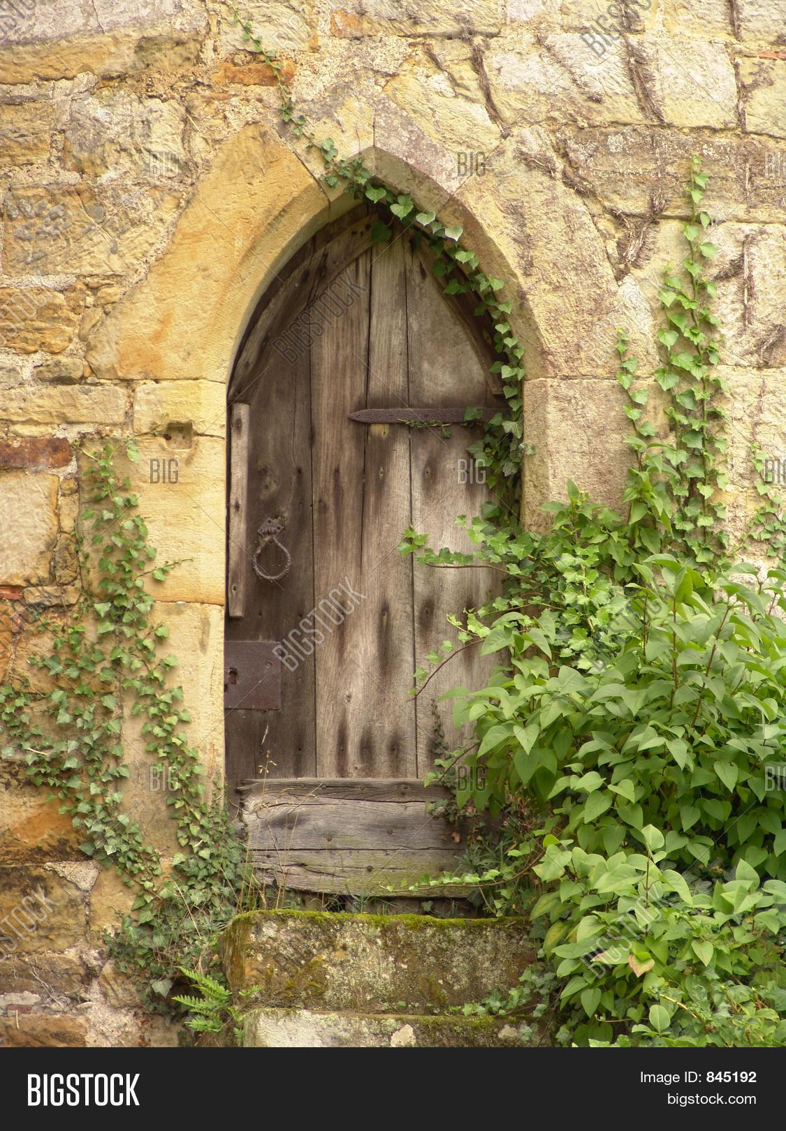 old castle wooden door & Old Castle Wooden Door Image \u0026 Photo   Bigstock
