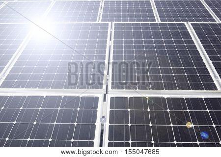 Arrangement of solar energy production plant and lens flare
