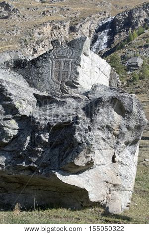 Rock carvings that recall the days of fascism, on the road leading up to Nivolet hill.