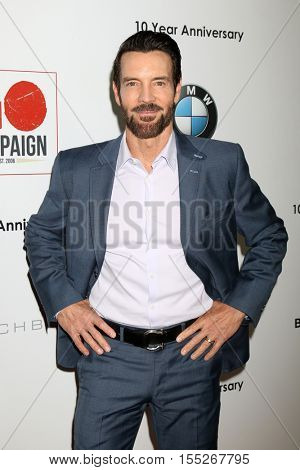 LOS ANGELES - NOV 5:  Tony Horton at the 10th Annual GO Campaign Gala at the Manuela at Hauser Wirth & Schimmel on November 5, 2016 in Los Angeles, CA