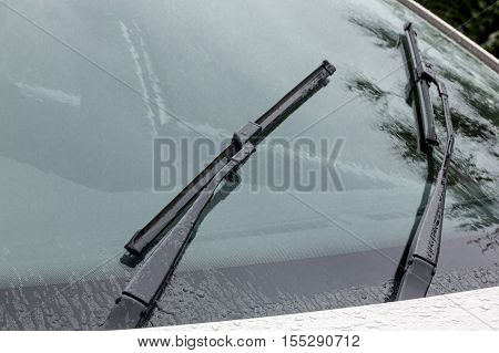 Wet Windshield Reflections Patterns Textures And Wiper Blades