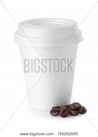 White disposable coffee cup isolated on white background. White paper cup. To go coffee cup with lid and coffee beans over white. Blank takeaway coffee cup isolated on white background with clipping path. Take-out coffee in thermo cup