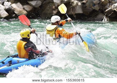 Kayaking as extreme and fun team sport