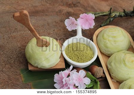 Festival moon cake - Chinese cake and green tea powder