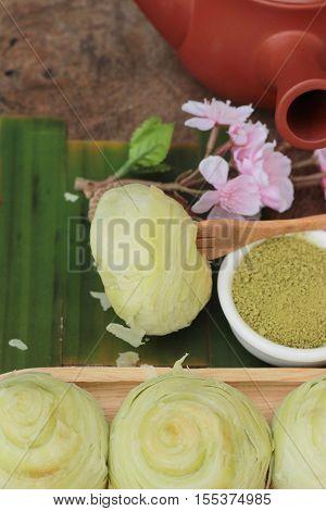 Festival moon cake - Chinese cake and green tea powder