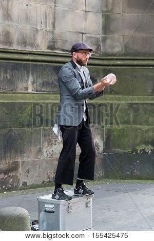Edinburgh, Scotland - 29 August, 2016: Artist Performing On Fringe Festival On The Royal Miles. It I