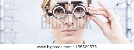 Eyeglasses And Contact Lenses Measurement