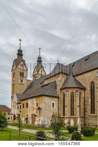 Maria Saal is famous for its large pilgrimage church in seemingly transitional style from Romanesque to Gothic Austria.