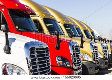 Indianapolis - Circa November 2016: Freightliner Semi Tractor Trailer Trucks Lined Up For Sale I