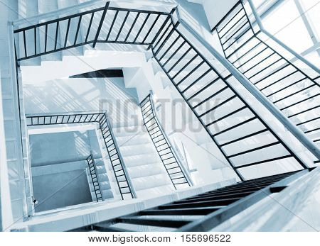Rectangular rotating ladder step by step there is sense of perspective.
