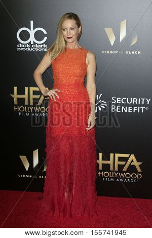 LOS ANGELES - NOV 6:  Leslie Mann at the 20th Annual Hollywood Film Awards  at Beverly Hilton Hotel on November 6, 2016 in Beverly Hills, CA
