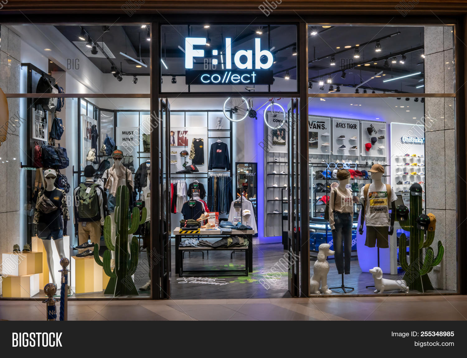 0ffd2745ab F : lab collect shop at Terminal 21, Bangkok, Thailand, May 7, 2018 :  Multi-lifestyle fashion store for clothing and accessories.