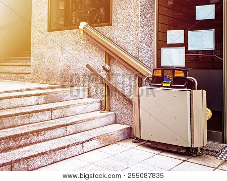Staircase Lift Elevator For Disabled And Elderly People