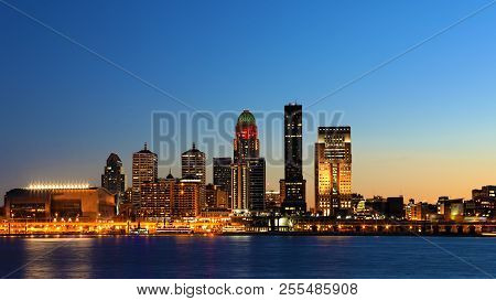A Wide View Of Louisville, Kentucky Skyline At Night