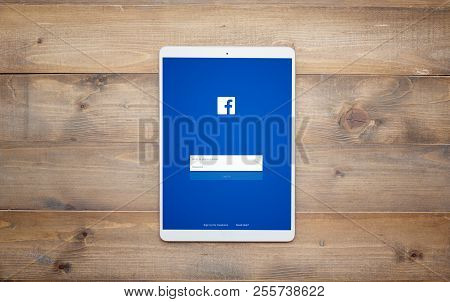 Hatyai,thailand - August 19, 2018 : Facebook Is Online Marketing Social Network Application In Apple