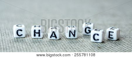 Changing White Cubes With Word