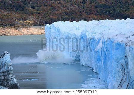 Perito Moreno Glacier Calving In To Lake Argentino, Los Glaciares National Park, Santa Cruz Province