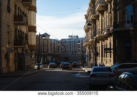 Baku, Azerbaijan-march, 2020: Cozy Streets And Buildings In Old City In Fortress. Residents And Visi