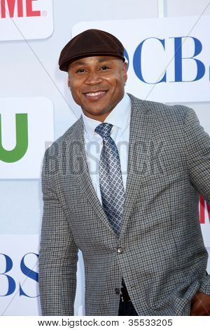 LOS ANGELES - JUL 29:  LL Cool J  aka James Smith arrives at the CBS, CW, and Showtime 2012 Summer TCA party at Beverly Hilton Hotel Adjacent Parking Lot on July 29, 2012 in Beverly Hills, CA
