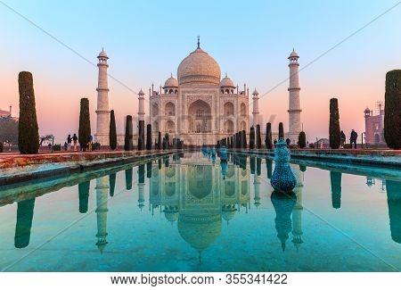 Taj Mahal, Famous Sight Of India, Agra
