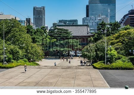 Tokyo, Japan, Asia - September 7, 2019 : View Of The Entrance Of Zojoji Temple