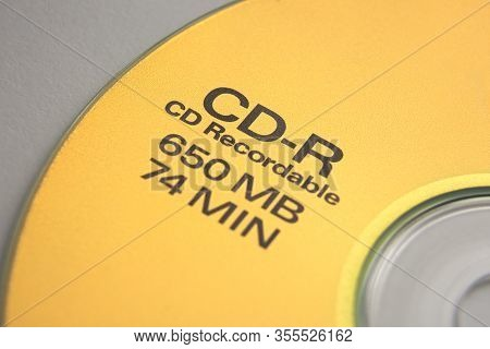 Gold Cd-r Cd Recordable With Capacity Information Closeup