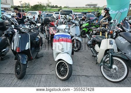 Pasig, Ph - Mar. 7: Vespa Motorcycles Parked Outside At 2nd Ride Ph On March 7, 2020 In Pasig, Phili