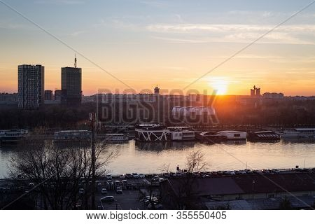 Belgrade Skyline Landscape In Sunset. City View In Sunset. Beautiful Sunset In The City Of Belgrade.