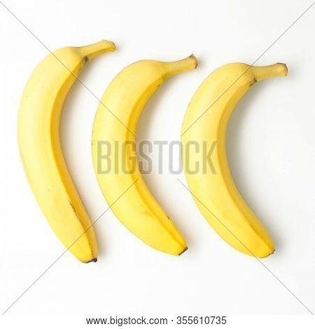 Banana Picture, Yellow Bananas, Bananas, Tropical Yellow Pattern, Close Up Of Banana Over White Back