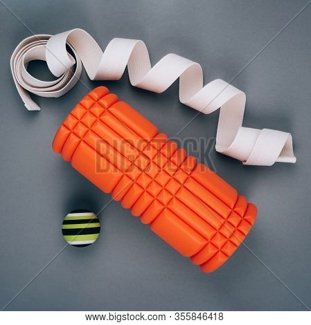 Set Of Green Myofascial Release And Massage Ball, Orange Bumpy Foam Massage Roller For Trigger Point