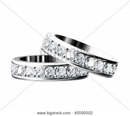 El anillo de boda de belleza sobre fondo blanco