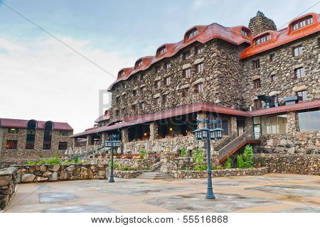 The Omni Grove Park Inn Is A Old Historic Resort Hotel In Asheville, North Carolina